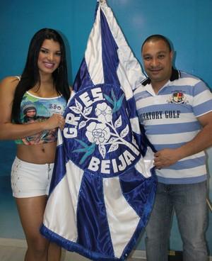 Juliane Almeida e o presidente da Beija-Flor Nelsinho David (Foto: Irapuã Jeferson/Divulgação)