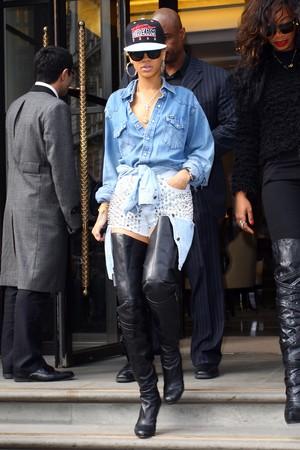 Rihanna em Londres, na Inglaterra (Foto: Getty Images/ Agência)