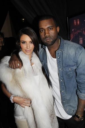 Kim Kardashian e Kanye West na semana de moda de Paris, na França (Foto: Getty Images/ Agência)