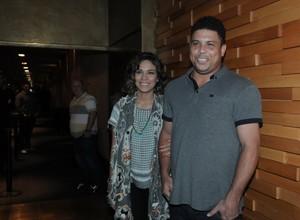 Bia Anthony e Ronaldo em pré-estreia de filme em São Paulo (Foto: Francisco Cepeda/ Ag.News)