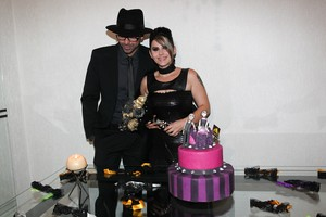 Ex-BBB Mayara e o noivo Ruy (Foto: Manuela Scarpa/Photo Rio News)