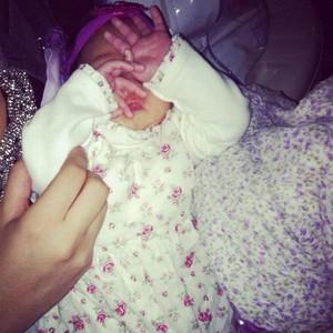 Pérola, filha da cantora Perlla (Foto: Reprodução/Twitter)