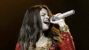 Selena Gomez canta em festa de uma rádio em San Jose, California, Estados Unidos (Foto: Getty Images/ Agência)