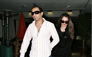 Britney Spears e Adnan Ghalib (Foto: Agência/ Grosby Group)
