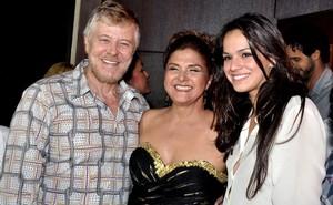 Miguel Falabella, Elizângela e Bruna Marquezine no aniversário de Elizângela no Rio (Foto: Roberto Teixeira/ EGO)