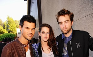 Taylor Lautner, Kristen Stewart e Robert Pattinson no Teen Choice Awards (Foto: Getty Images/ Agência)