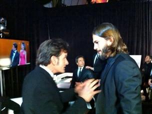 Charlie Sheen e Ashton Kutcher (Foto: Reprodução/Site Oficial)