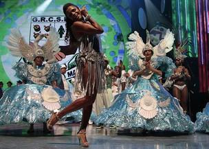 Quitéria Chagas, da Unidos de Vila Maria, grava vinheta para o carnaval 2012 em São Paulo (Foto: Alessandra Gerzoschkowitz / EGO)