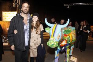 Mallu Magalhães e Marcelo Camelo na abertura da exposição Cow Parade (Foto: Felipe Assumpção / AgNews)
