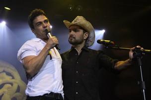 Zezé di Camargo e Luciano se apresentam no Rio (Foto: Alex Palarea e Anderson Borde / AgNews)