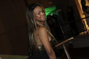 Jéssica, irmã de Valesca Popozuda em inauguração de casa de shows no Rio (Foto: Isac Luz/ EGO)