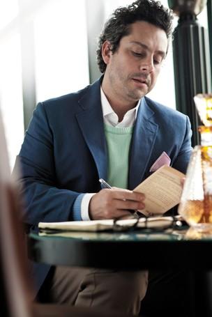 Alexandre Nero na revista Alfa (Foto: André Brandão/ Revista Alfa)
