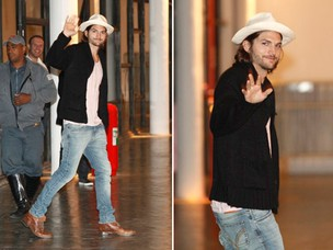 De chapeu, Ashton Kutcher chegou à São Paulo Fashion Week  (Foto: Marcos Serra Lima / EGO)