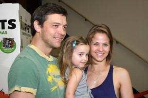 Luiza Valdetaro e família (Foto: Henrique Oliveira/Photo Rio News)