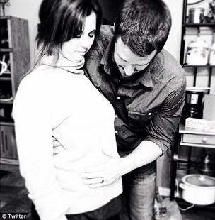 Mandy e Brian, mãe e padrasto de Selena Gomez (Foto: Reprodução/Twitter)