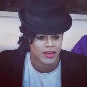 Leo Santana caracterizado como Michael Jackson (Foto: Twitter / Reprodução)