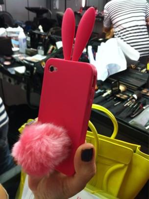 Capa do celular de Giovanna Antonelli (Foto: Reprodução/ Twitter)
