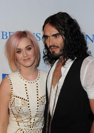 Katy Perry e o marido Russell Brand em evento beneficente em Los Angeles, nos Estados Unidos (Foto: Getty Images/ Agência)