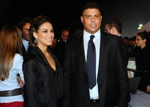 Ronaldo e Bia Anthony em premiação do Campeonato Brasileiro em São Paulo (Foto: Francisco Cepeda/ Ag.News)