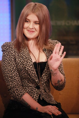 Kelly Osborne participa de programa de televisão em Nova York, nos Estados Unidos (Foto: Getty Images/ Agência)