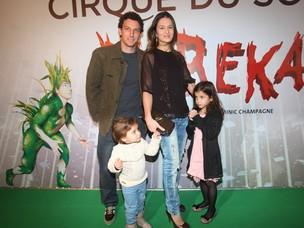 Elano com a mulher Alexandra Blumer e as filhas (foto de arquivo) (Foto: Iwi Onodera/ EGO)