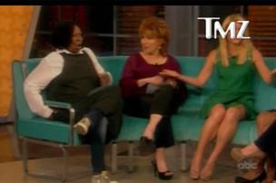 Whoopi Goldberd solta pum durante programa de TV (Foto: TMZ / Reprodução)
