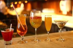 Aprenda a fazer drinques para celebrar o Ano Novo com Jaque Khury (Foto: Iwi Onodera / EGO)