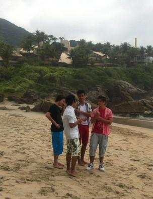 Restart grava clipe em praia (Foto: Bruno Maia / Divulgação)