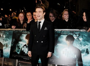 Daniel Radcliffe na première de 'The Woman In Black' em Londres, na Inglaterra (Foto: Getty Images/ Agência)