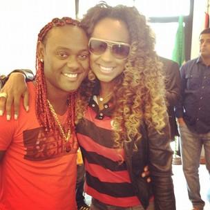Vânia Love com o irmão Vágner (Foto: Divulgação/Divulgação)