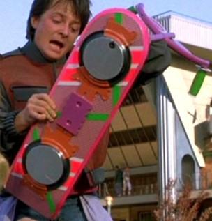 """Michael Fox e seu skate voador em """"De Volta para o Futuro"""" (Foto: Reprodução)"""