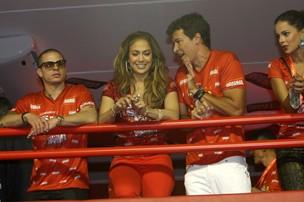 Jennifer Lopez e Rodrigo Faro no camarote da Sapucaí (Foto: Carlos Osmar / Photo Rio News)
