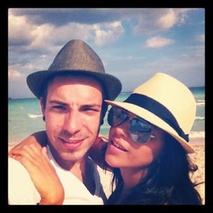 Di Ferrero e Mariana Rios em Miami (Foto: Reprodução/Twitter)