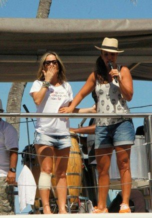 Ivete Sangalo e Claudia Leitte em Salvador (Foto: Wallace Barbosa, Daniel Delmiro e J.Humberto/AgNews)
