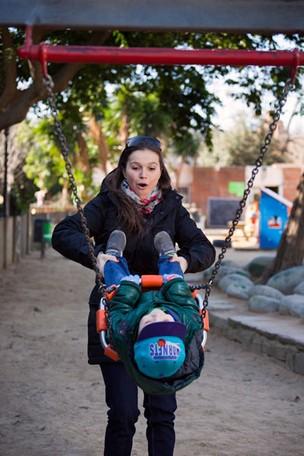 Tina, do BBB2, em Barcelona (Foto: Ramon Clemente/EGO)