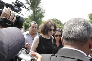 Malga na cremação de Chico Anysio (Foto: Isac Luz/EGO)