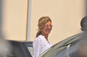 Marília Pêra chega para a missa de sétimo dia da morte de Chico Anysio (Foto: Roberto Teixeira / EGO)