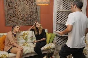 Claudia Leitte com Yasmin Brunet nos bastidores do 'Superbonita' (Foto: Alexandre Campbell/ Divulgação)