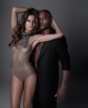 Izabel Goulart posa com Anderson Silva para revista - NÃO REUTILIZAR (Foto: Bob Wolfenson / Divulgação / Revista ISTOÉ)
