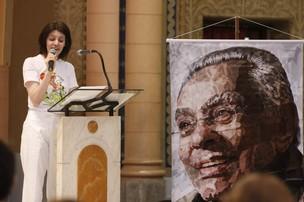 Malga na missa do Chico Anysio (Foto: Marcos Serra LIma / EGO)