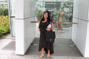 Priscila chega a maternidade (Foto: Clayton Militão/Photo Rio News)