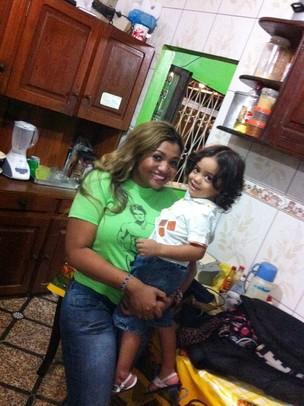 Gaby Amarantos e o filho (Foto: Arquivo Pessoal / Divulgação)