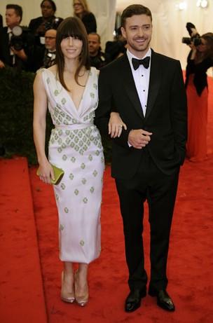 Justin Timberlake e Jessica Biel no baile da gala do Metropolitan em Nova York, nos Estados Unidos (Foto: AFP/ Agência)