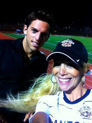 Danielle Winits com o namorado, o jogador de futebol Amaury Nunes, no Texas, nos Estados Unidos (Foto: Twitter/ Reprodução)
