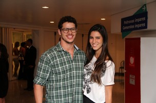 José Loreto e a namorada, Fernanda Pires (Foto: Clayton Militão/Photo Rio News)