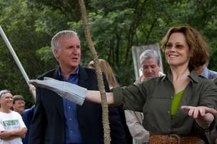 James Cameron e Sigourney Weaver (Foto: Divulgação)