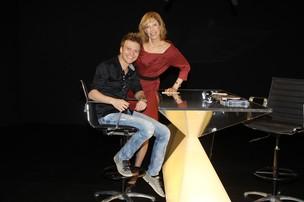 Michel Teló e Marilia Gabriela (Foto: Carol Soares/SBT)