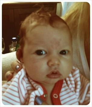 Maxwell Drew Johnson, filha de Jessica Simpson (Foto: Twitter/ Reprodução)