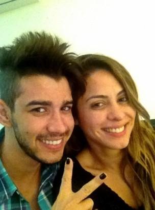 Gusttavo Lima e Alinne Rosa (Foto: Twitter/ Reprodução)