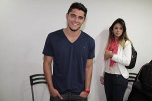 Bruno Gissoni com a namorada, a modelo Stephanie Marques, em show de Alexandre Pires no Rio (Foto: Isac Luz/ EGO)